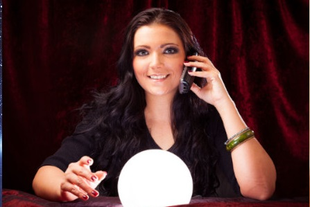 How can a clairvoyant reading be helpful?