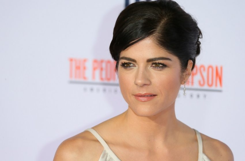 Check These Places to Revive the Wildest Of Selma Blair Nude Clips That Instil Primal Desires